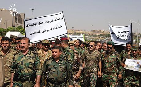 Son dakika: Barzani'ye şok! Binlerce peşmerge sokaklara döküldü 1.resim