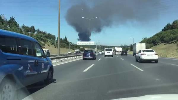 Son dakika: Kağıthane'de fabrikada yangın çıktı! 1.resim