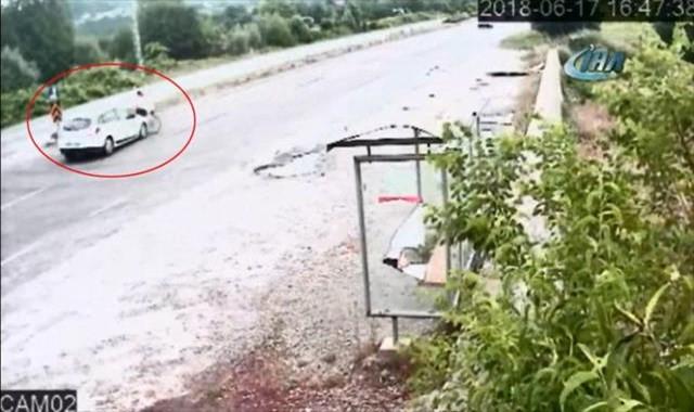 Otomobil bisikletli kadına böyle çarptı