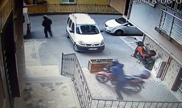 20 bin liralık motosikleti böyle çaldılar