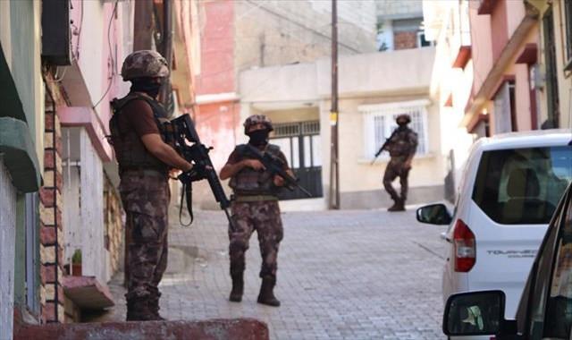 Gaziantep'te zehir tacirlerine darbe: 60 gözaltı