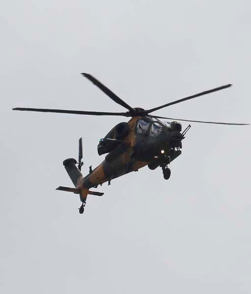 ATAK helikopterleri NATO Zirvesi'nde şov yaptı 3.resim