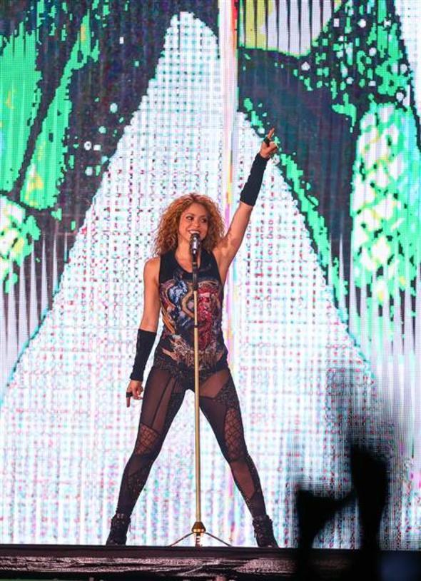 Shakira Boğaz'ı salladı! 2.resim