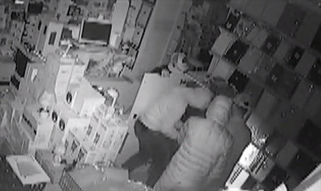 Kasa hırsızları önce kameraya, sonra polise yakalandı