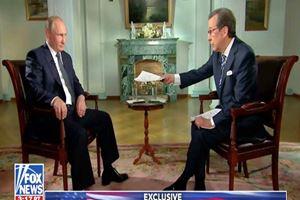 Putin'den Fox News sunucusuna şok hareket