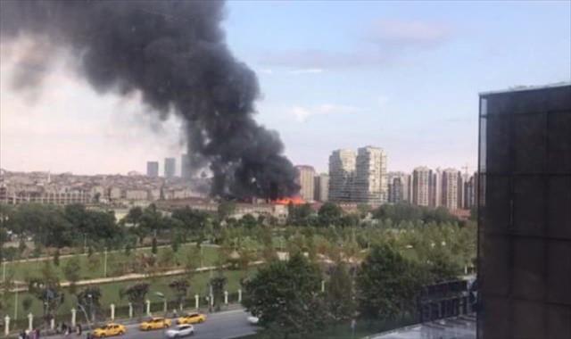İstanbul'da eski tekstil atölyesinde yangın