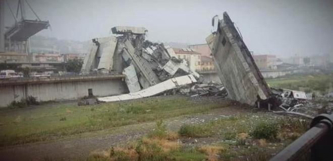 İtalya'da otoyol köprüsü çöktü: Onlarca kişi hayatını kaybetti