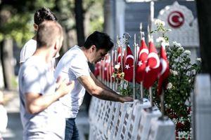 15 Temmuz Şehitliği'nde hüzünlü bayram!