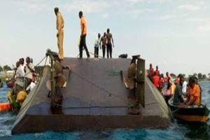 Son dakika... Gölde feribot battı! 200 insan boğulmuş olabilir...