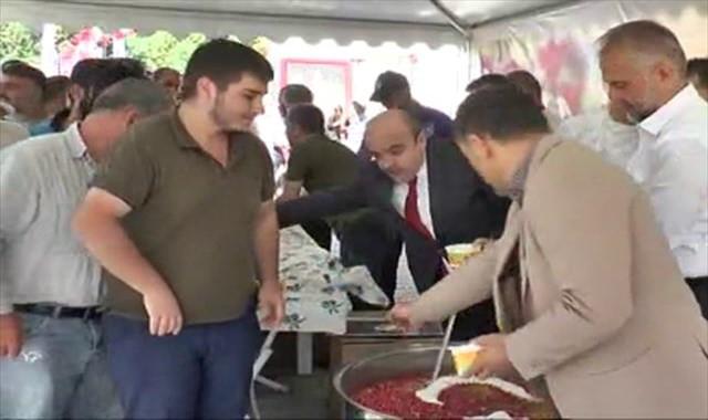 Çekmeköy'de 20 bin kişiye aşure ikramı