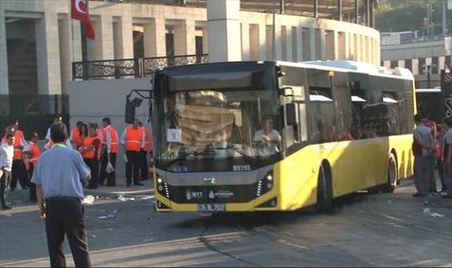 Beşiktaş taraftarı otobüslerle Kadıköy'e gönderildi