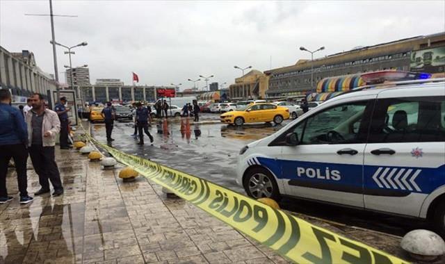 Otogarda taksicilerin müşteri kavgası kanlı bitti
