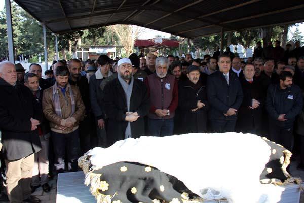 Ukrayna'da vahşice katledilen Buket Yıldız'ın cenazesi defnedildi 2.resim