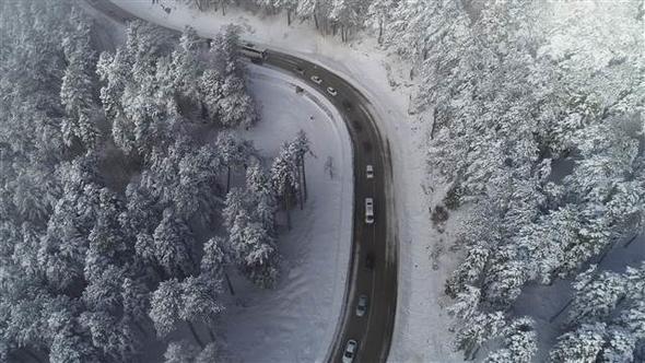 Uludağ yolunda 4 km'lik araç kuyruğu! 1.resim