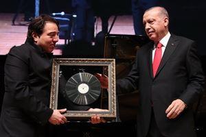 Erdoğan'dan Fazıl Say'a anlamlı hediye...