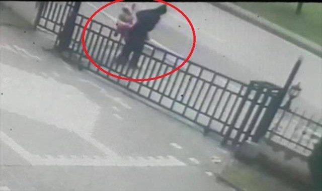 Kız çocuğunu kaçırma girişimi kamerada