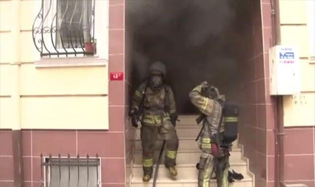 Beyoğlu'ndaki yangında can pazarı yaşandı