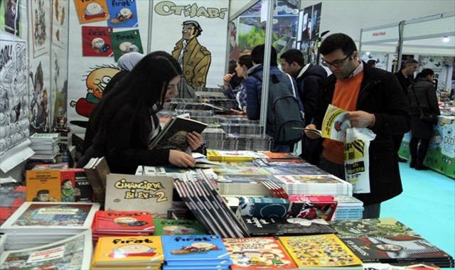 Ankaralılar, 13. Ankara Kitap Fuarına akın etti