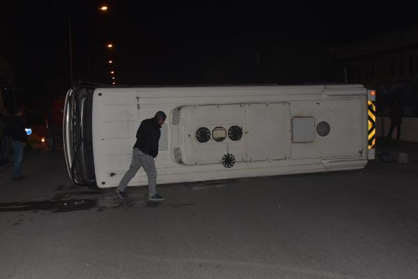 Belediye otobüsü ile minibüs çarpıştı: 10 yaralı 1.resim