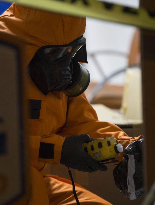 Kargo şubesinde zehirli gaz paniği 3.resim