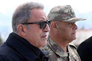 Bakan Akar ve kuvvet komutanları Şırnak'ta