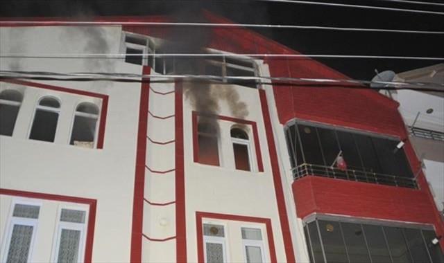 Düdüklü tencere evi yaktı: 2 yaralı