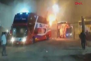 Peru'da otobüs yandı: 20 ölü, 7 yaralı