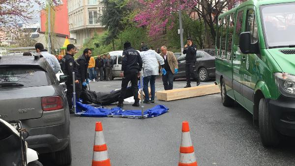 Kağıthane'de cinayet...Tartıştığı damadını sokak ortasında vurarak öldürdü 1.resim
