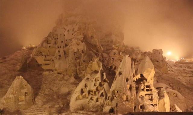 Kapadokya'da Nisan karı