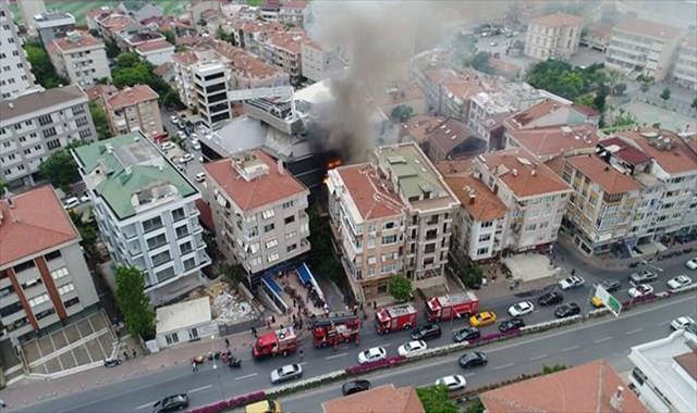 Kadıköy'de hastanede yangın paniğinin havadan görüntüleri ortaya çıktı